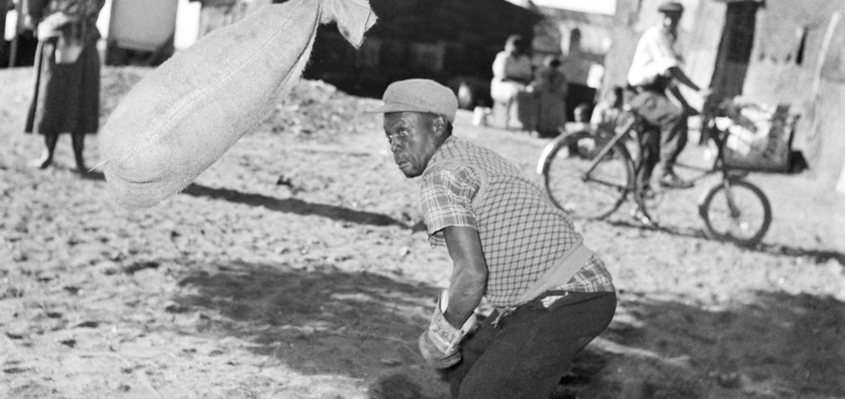 Boxing practice. Windermere, Cape Town, South Africa. Photograph by Bryan Heseltine. Circa 1949–1952. (Copyright Bryan Heseltine)