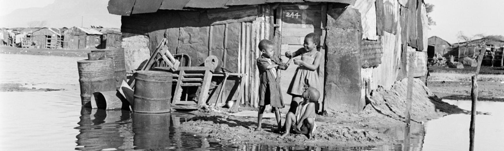 Windermere, Cape Town, South Africa. Photograph by Bryan Heseltine. Circa 1949–1952. (Copyright Bryan Heseltine)