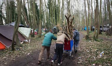 'Jungle Life'. Photograph by Marika Dee. Calais, France. 2014. (Copyright Marika Dee)