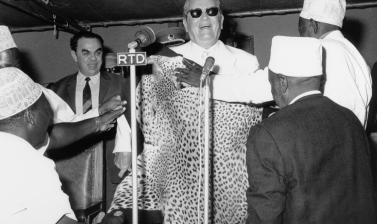 Tanzania, 1970. President Tito receiving gifts in the central office of the Tanganyika African National Union (TANU) in Dar es Salaam. (Copyright Museum of Yugoslavia, Belgrade)